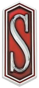 """Cutlass/442 Fender Emblem, 1973-75 Cutlass """"S"""" & H/O"""