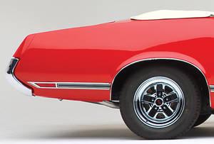 1970-1971 Cutlass Body Side Moldings, 1970-71 Cutlass Supreme/SX Rear of Quarter