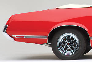 Cutlass/442 Body Side Moldings, 1970-71 Cutlass Supreme/SX Rear of Quarter