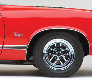 1970-1971 Cutlass Body Side Moldings, 1970-71 Cutlass Supreme/SX Rear of Fender