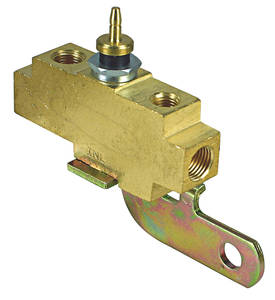 1970-72 GTO Brake Fluid Distribution Block (Brass w/Phosphate-Plating)