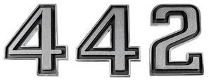 """Cutlass Fender Emblem, 1969-72 """"4-4-2"""" 3-Piece"""
