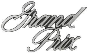 """1971-1972 Grand Prix Pillar Post Emblem, """"Grand Prix"""" Script"""